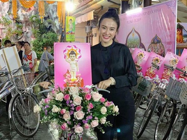 VZN News: Bộ cánh tai tiếng mà loạt mỹ nhân Việt không bao giờ muốn nhớ lại - Ảnh 9.