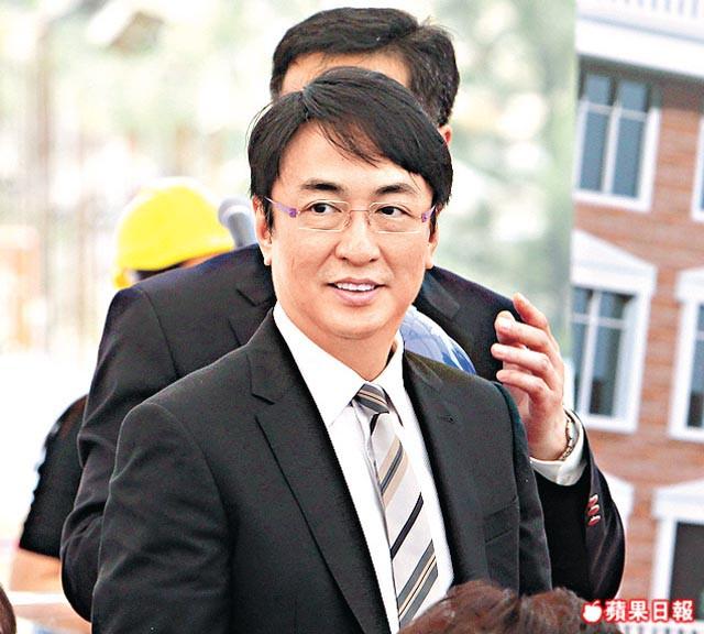 Đại thiếu gia Hong Kong: Thề cả đời không kết hôn, thuê người đẻ mướn để tranh tài sản - Ảnh 3.