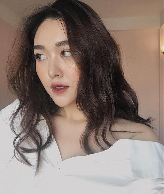 Cận cảnh ảnh đời thường của Á hậu 2 Miss World Việt Nam 2019: Chiều cao khủng cùng nhan sắc đỉnh cao, được gọi là bản sao Hà Tăng - Ảnh 3.