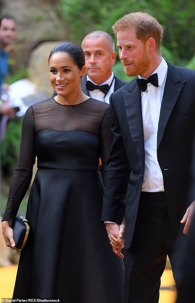 Hoàng tử Harry khiến người hâm mộ lịm tim với lời chúc mừng sinh nhật đầy ngọt ngào gửi đến vợ, Meghan Markle sẽ đón tuổi mới tại nơi đặc biệt - Ảnh 3.