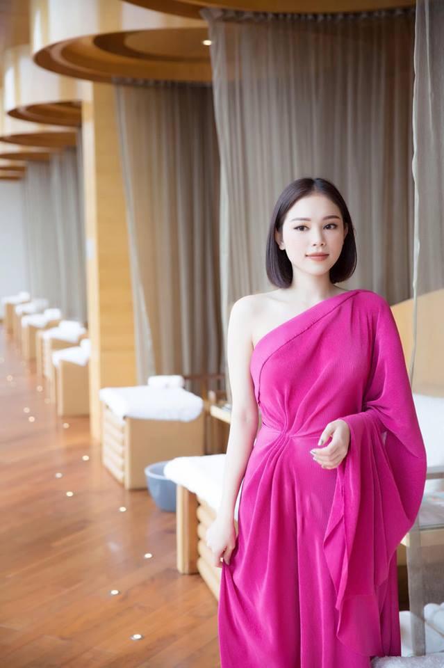 Cuộc sống sang chảnh của ngọc nữ 9X được dân mạng đồn là bạn gái mới của Phillip Nguyễn - em chồng Hà Tăng - Ảnh 12.