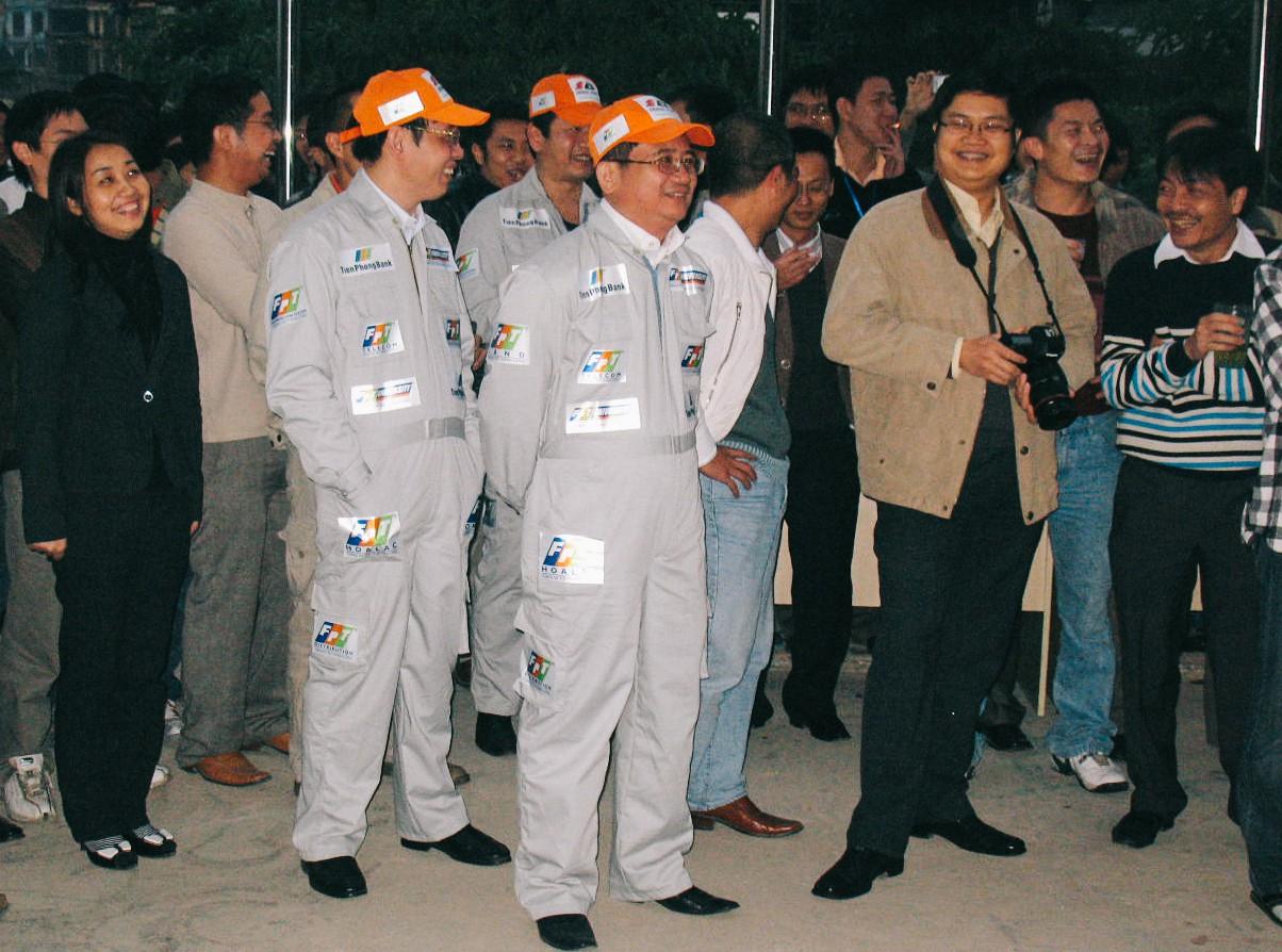Phó chủ tịch FPT Bùi Quang Ngọc: Tôi chưa thấy người đàn ông nào mà tôi quen biết lại không sợ vợ - Ảnh 5.