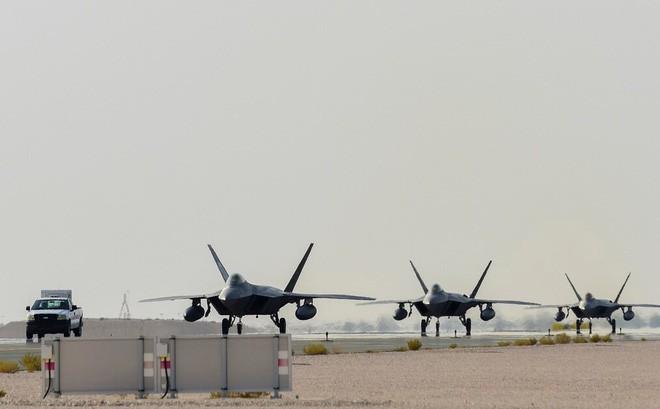 Tiêm kích tàng hình F-22 quay trở lại Syria: Mỹ hiến dâng kho báu tuyệt mật cho Nga? - Ảnh 1.
