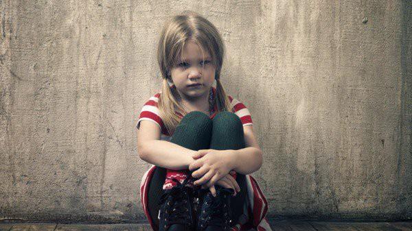 Nhặt được chiếc ví da, nhiều năm sau, cô bé mồ côi nhận được bản di chúc đáng kinh ngạc - Ảnh 2.