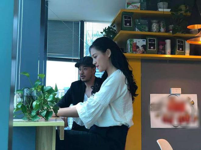 Chú Quốc phim Về nhà đi con: Cảnh tôi hôn Thu Quỳnh, vợ bảo cũng cuồng nhiệt đấy! - Ảnh 1.