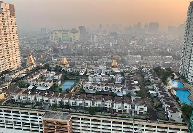 Indonesia xây cả một ngôi làng trên tầng thượng tòa nhà cao tầng - Ảnh 1.
