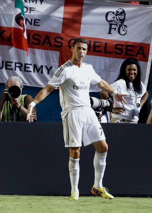 Ơn giời sau 6 năm sử dụng, cuối cùng Ronaldo đã tiết lộ nguồn gốc của điệu ăn mừng trứ danh được hàng nghìn người yêu thích - Ảnh 2.