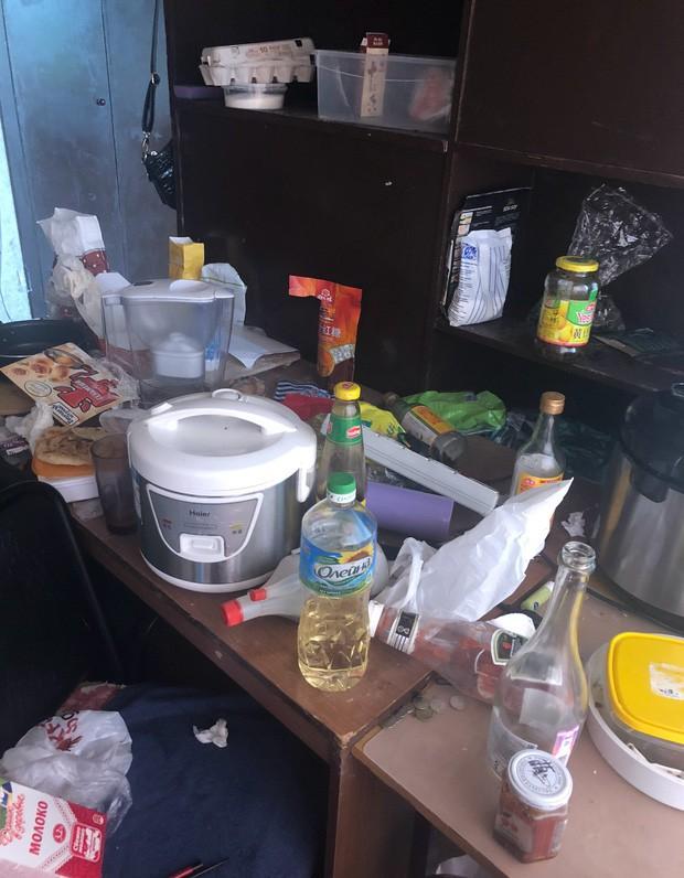 Đỉnh cao biến phòng trọ thành bãi rác khiến dân tình tròn mắt: Làm thế nào mới ở bẩn được như vậy? - Ảnh 3.