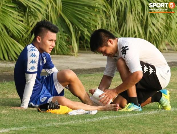 Quang Hải va chạm cực gắt với Duy Mạnh, bỏ dở buổi tập của Hà Nội FC chiều 06/08 - Ảnh 5.