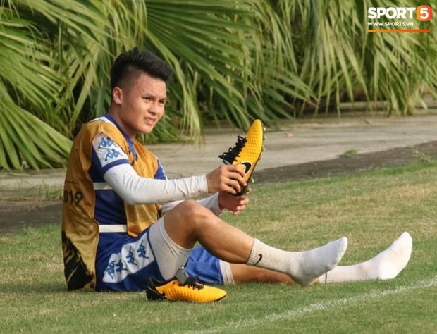 Quang Hải va chạm cực gắt với Duy Mạnh, bỏ dở buổi tập của Hà Nội FC chiều 06/08 - Ảnh 7.