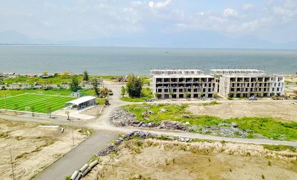 Hàng chục khách hàng từ Hà Nội, Sài Gòn tập trung đòi nhà tại dự án cũ của Vũ nhôm ở Đà Nẵng - Ảnh 2.