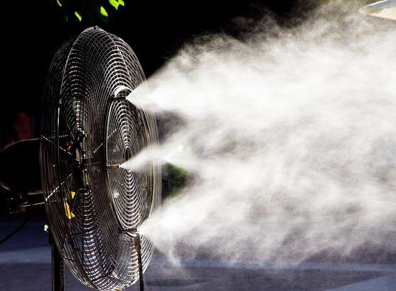 Cảnh báo: Đừng bật quạt khi trời nóng... nhưng khô - Ảnh 2.
