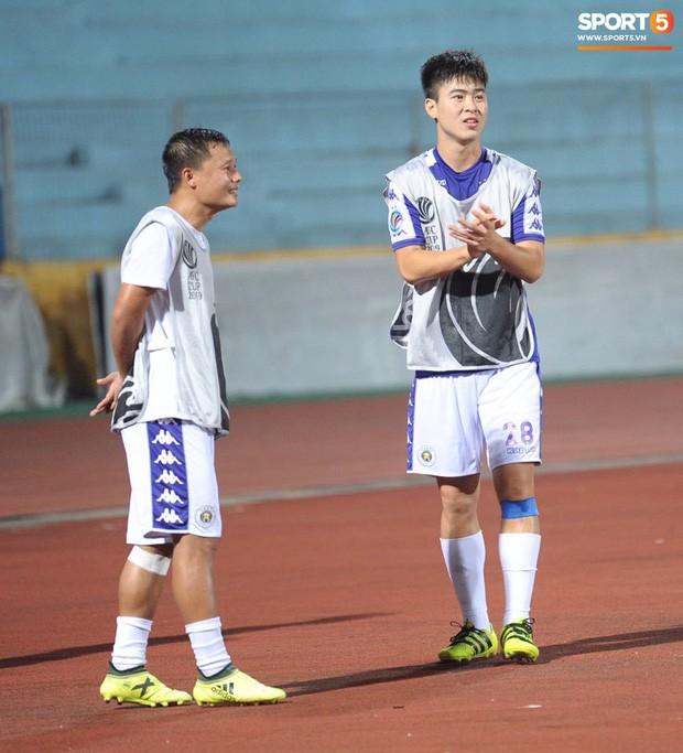 HLV Hà Nội FC tiết lộ Duy Mạnh phải nhập viện vì sốt cao ngay trước trận đấu với Bình Dương - Ảnh 5.