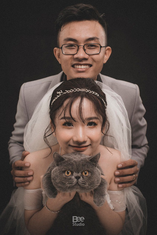 Cô dâu ôm kẻ thứ 3 chụp ảnh cưới, sự thật do nữ chính tiết lộ mới gây bất ngờ - Ảnh 3.