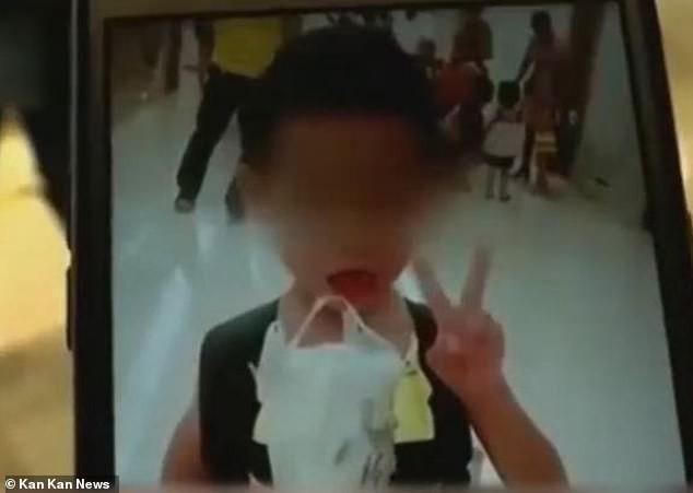 Nhiều nước trên thế giới xử phạt thẳng tay khi học sinh bị bỏ quên trên xe đến chết: Kẻ đi tù, người bị sa thải tức khắc, trường buộc phải đóng cửa - Ảnh 1.