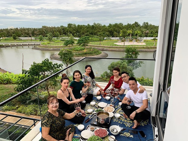 Cao Thái Sơn khoe ảnh tân gia, vô tình tiết lộ Hồ Ngọc Hà vừa tậu ngôi biệt thự triệu đô - Ảnh 2.
