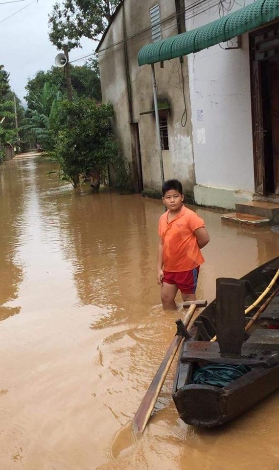 Đồng Nai: Lũ quét khiến hàng trăm ngôi nhà bị ngập, một người mất tích - Ảnh 2.