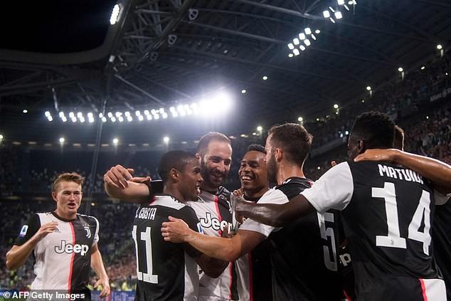 Song sát Ronaldo - Higuain tỏa sáng, Lão bà vẫn run rẩy trước Napoli - Ảnh 2.