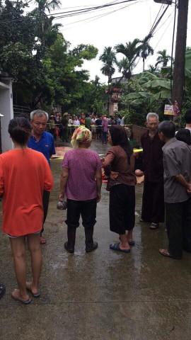 Hiện trường vụ anh truy sát gia đình em ruột khiến 5 người thương vong ở Hà Nội - Ảnh 10.