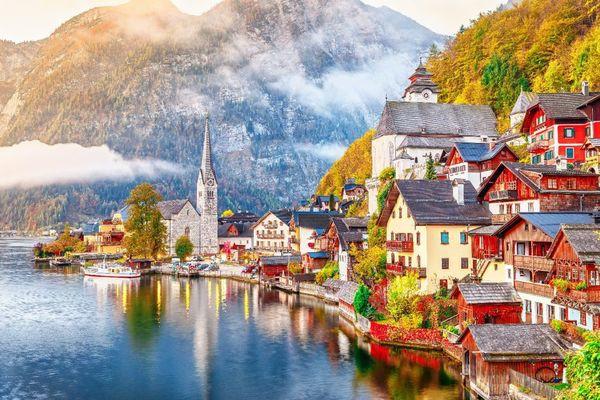 5 địa điểm du lịch mùa thu đẹp như tranh vẽ mà bạn nên đặt chân đến một lần trong đời - Ảnh 1.