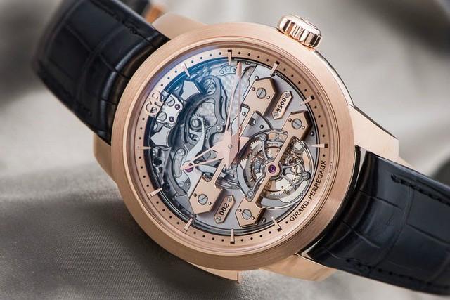 Tinh tường đến đâu quý ông vẫn cần lưu ý 5 điều sau khi mua đồng hồ cao cấp: Đừng bỏ cả ngàn USD chỉ để mua về thứ vô bổ! - Ảnh 2.