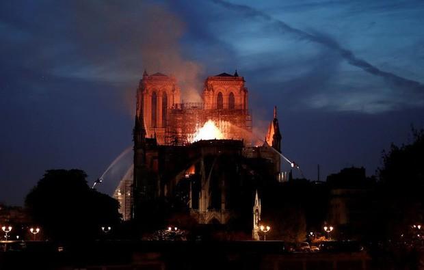 Paris vẫn bị ô nhiễm chì sau vụ cháy Nhà thờ Đức Bà - Ảnh 1.