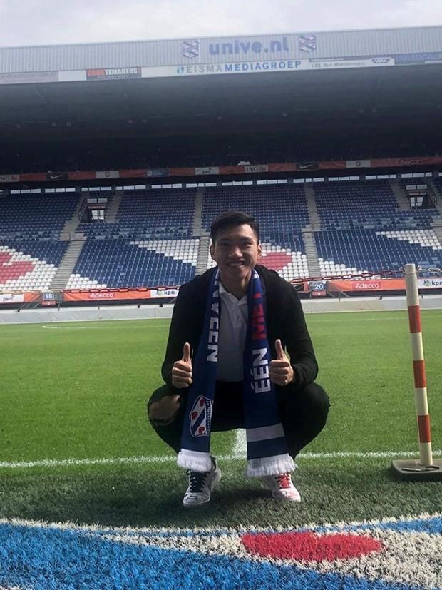 Hậu vệ Đoàn Văn Hậu đã có mặt tại câu lạc bộ SC Heerenveen - Ảnh 1.