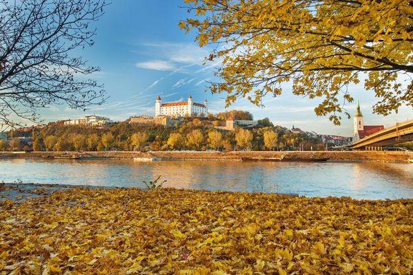 5 địa điểm du lịch mùa thu đẹp như tranh vẽ mà bạn nên đặt chân đến một lần trong đời - Ảnh 3.