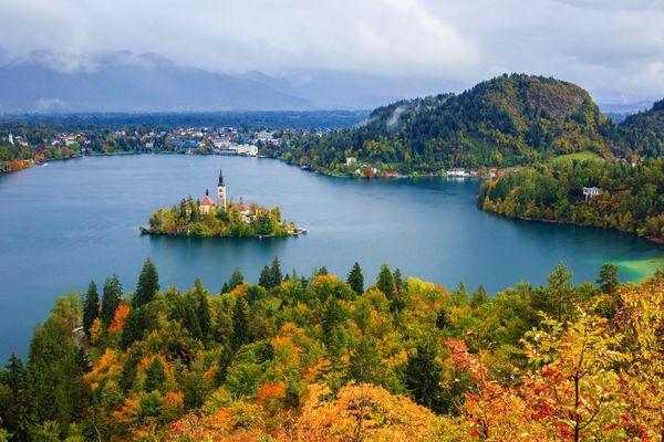 5 địa điểm du lịch mùa thu đẹp như tranh vẽ mà bạn nên đặt chân đến một lần trong đời - Ảnh 4.