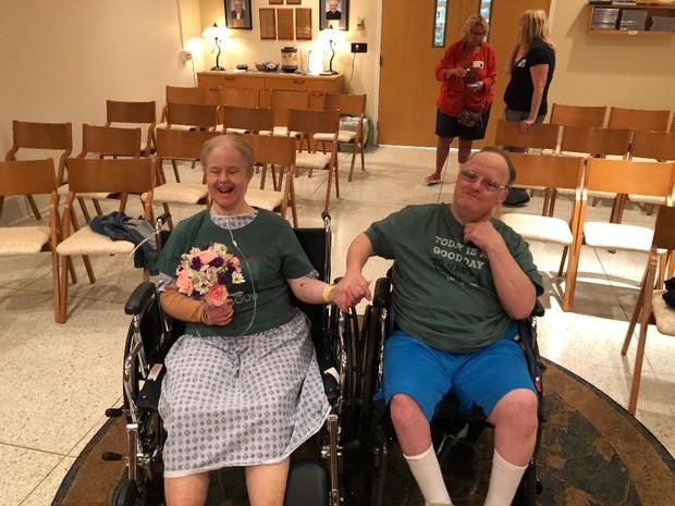Chuyện tình cảm động của cặp đôi mắc hội chứng Down: Người tật nguyền cũng có hạnh phúc trọn vẹn, bất chấp sự phản đối của xã hội - Ảnh 5.