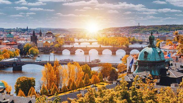5 địa điểm du lịch mùa thu đẹp như tranh vẽ mà bạn nên đặt chân đến một lần trong đời - Ảnh 5.