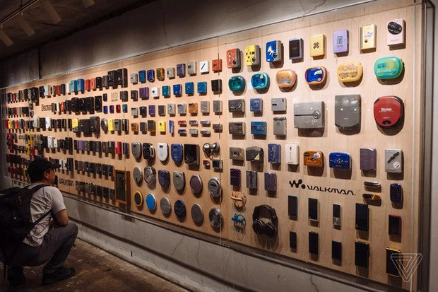 Tròn 40 năm ngày ra đời máy nghe nhạc Sony Walkman - huyền thoại mà giới trẻ 10x sẽ không bao giờ thấy lại - Ảnh 4.