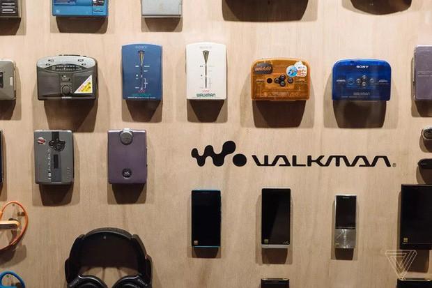 Tròn 40 năm ngày ra đời máy nghe nhạc Sony Walkman - huyền thoại mà giới trẻ 10x sẽ không bao giờ thấy lại - Ảnh 5.
