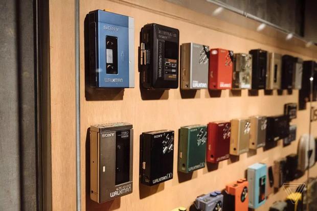 Tròn 40 năm ngày ra đời máy nghe nhạc Sony Walkman - huyền thoại mà giới trẻ 10x sẽ không bao giờ thấy lại - Ảnh 7.