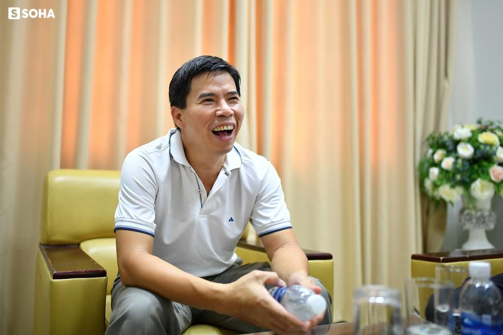 """Chủ tịch Thế giới Di động Nguyễn Đức Tài: """"Bây giờ ở công ty, tôi chỉ làm mấy việc bếp núc"""" - Ảnh 8."""