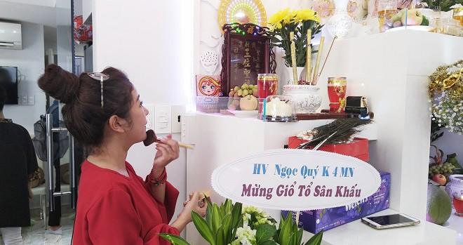 NSƯT Trịnh Kim Chi tiết lộ các quan niệm kỳ lạ trong nghi lễ cúng Tổ nghề sân khấu - Ảnh 5.