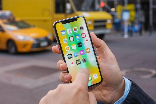 Đặt mua iPhone 11 đầu tiên về nước, khách Việt sẽ được gì? - Ảnh 1.