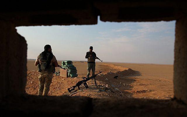 Mỹ, Israel liều lĩnh vượt lằn ranh đỏ tấn công Đông Syria - 2 máy bay UAV quân sự Israel bị bắn rơi liên tiếp - Ảnh 11.