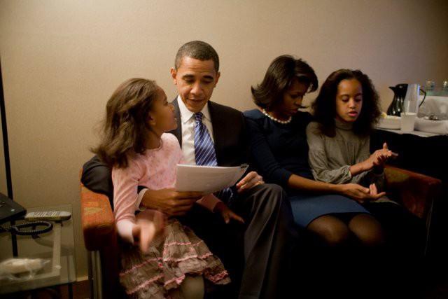 Trong Nhà Trắng, ông bà Obama quy định giờ đi ngủ là lúc 8 giờ tối.