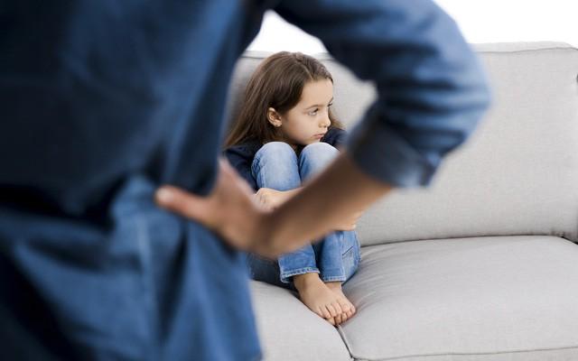 Không cần quát mắng, chuyên gia tâm lý nổi tiếng chỉ cách đơn giản mà cực hiệu quả sửa tật nói dối của con - Ảnh 1.