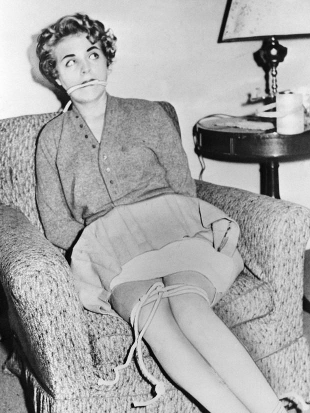 Tấm hình được chụp của Judy trước khi cô bị Harvey đưa ra sa mạc và sát hại.