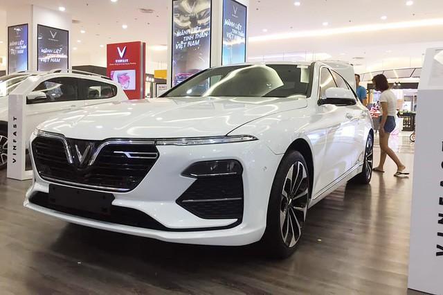 VinFast chính thức tham gia Triển lãm ô tô Việt Nam 2019, khách tham quan có thể sờ tận tay xe Lux và Fadil - Ảnh 1.