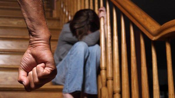 Thiếu nữ tố cáo bị bố và vài người đàn ông khác quấy rối, sự thật khiến mọi người vô cùng bất ngờ - Ảnh 1.