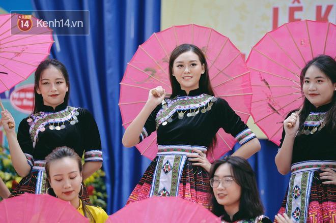 Dàn Hoa hậu Thế giới Việt Nam gây bão khi về lại trường khai giảng: Thùy Linh và Kiều Loan quá xinh, Tường San bất ngờ nhảy cover - Ảnh 12.