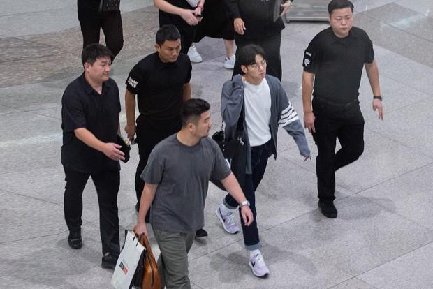 """Hàng nghìn fan """"bóp nghẹt"""" sự kiện hội tụ Ji Chang Wook và dàn sao hot tại TP.HCM, BTC thông báo huỷ phút chót vì an toàn - Ảnh 16."""