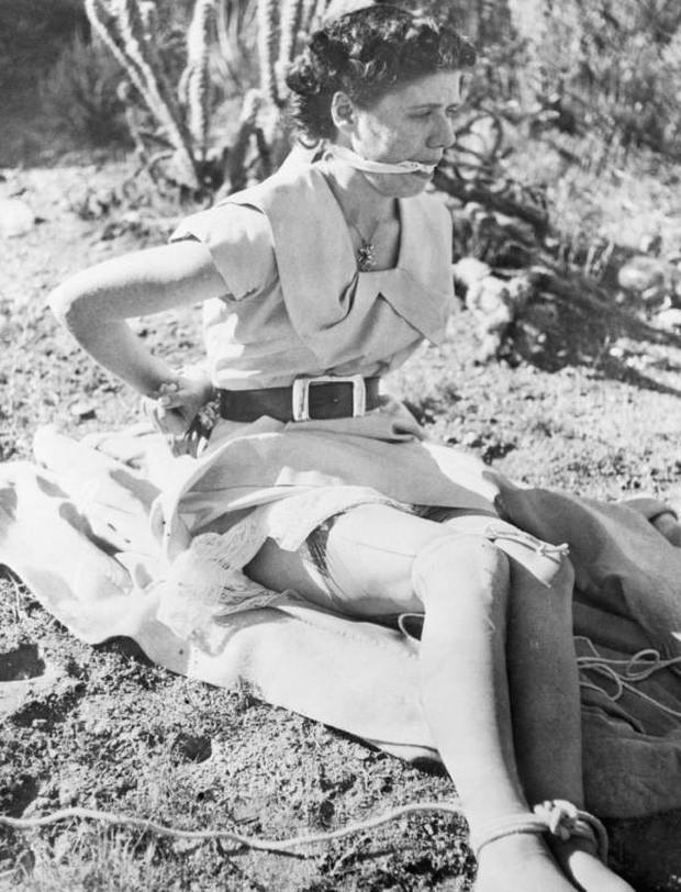 Khoảnh khắc cuối cùng của Shirley. Tại đây, Harvey đã đưa cô đến sa mạc và chuẩn bị ra tay sát hại bằng cách siết cổ cô đến chết.