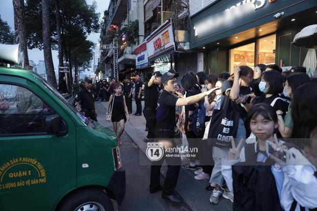"""Hàng nghìn fan """"bóp nghẹt"""" sự kiện hội tụ Ji Chang Wook và dàn sao hot tại TP.HCM, BTC thông báo huỷ phút chót vì an toàn - Ảnh 5."""