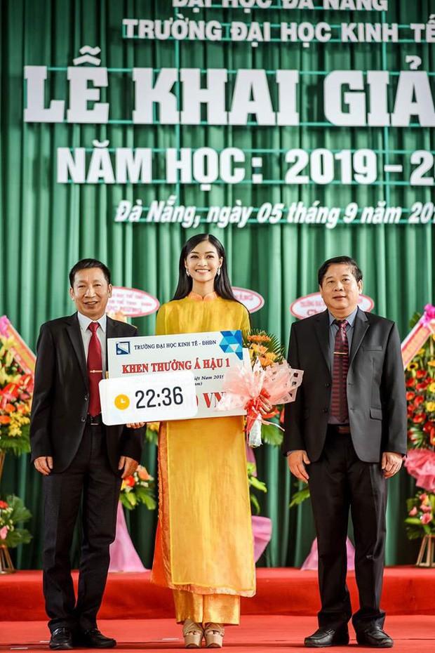 Dàn Hoa hậu Thế giới Việt Nam gây bão khi về lại trường khai giảng: Thùy Linh và Kiều Loan quá xinh, Tường San bất ngờ nhảy cover - Ảnh 6.