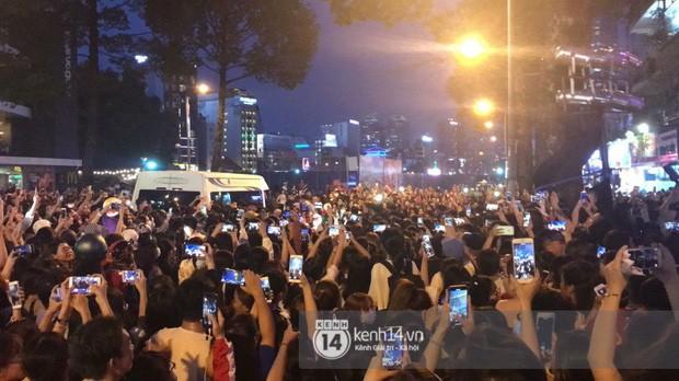 """Hàng nghìn fan """"bóp nghẹt"""" sự kiện hội tụ Ji Chang Wook và dàn sao hot tại TP.HCM, BTC thông báo huỷ phút chót vì an toàn - Ảnh 8."""