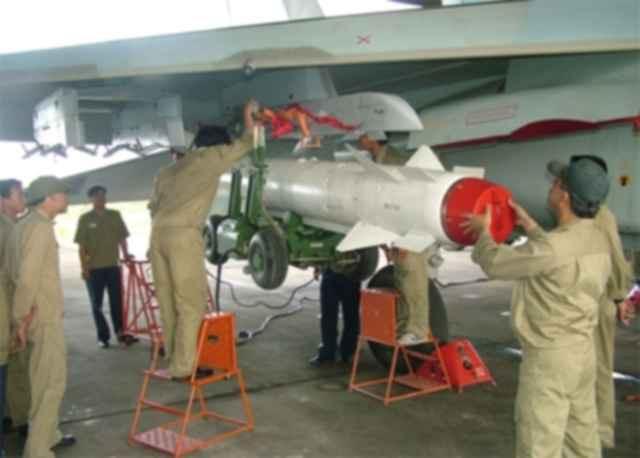 Tên lửa sát thủ diệt hạm đáng gờm của chiến đấu Su-22 Không quân Việt Nam: Đầy uy lực - Ảnh 3.